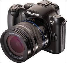 Vous allez au marché et achetez un appareil photo. L'étui et l'appareil coûtent 300 euros et l'appareil coûte 295 euros de plus que l'étui. Combien devrez-vous payer si vous n'achetez que l'appareil photo sans l'étui ?