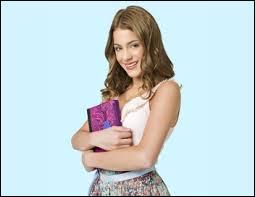 Dans la saison 1, de qui Violetta est-elle amoureuse ?
