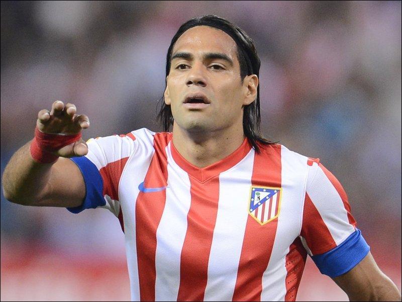 J'ai été transféré de l'Atlético Madrid à Monaco contre 60 millions d'euros. Qui suis-je ?