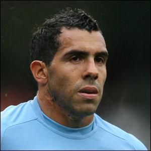 J'ai été transféré de Manchester United à Manchester City pour 53 millions d'euros. Qui suis-je ?