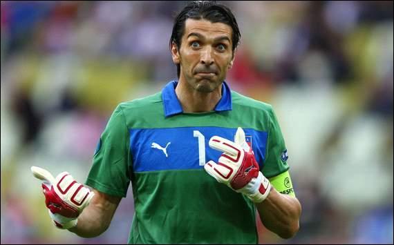 J'ai été transféré de Parme à la Juventus de Turin pour 45 millions d'euros. Qui suis-je ?