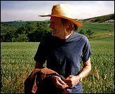 Mort le 13 août 1998, la vie, pour lui, devait durer plus d'un million d'années, toujours en été ....
