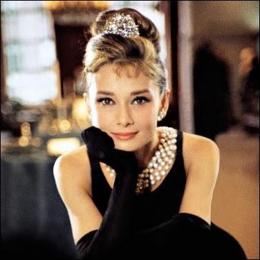 """D'origine britannique, qui est cette grande actrice décédée le 20 janvier 1993 qui joua dans """"Diamants sur canapé"""" et """"My fair Lady"""" ?"""