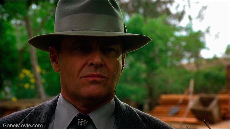 Né le 22 avril 1937, connu pour avoir incarné des personnages névrosés, dans Chinatown, Vol au-dessus d'un nid de coucou, Shining, quel est cet acteur ?