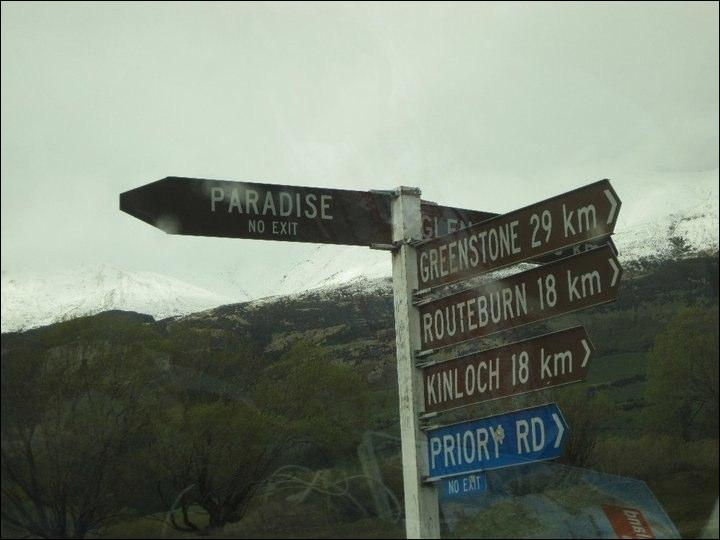 Ah bon, c'était donc par là le Paradis, mais zut il n'existe pas ! On nous a menti, mais dans quel pays ? (C'est un pays qu'on a déjà visité, mais on avait pas rencontré les Maori)