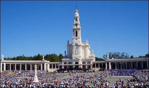 Fatima est le plus important pèlerinage chrétien du pays.