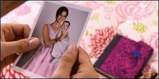 Comment s'appelle la mère de Violetta ?