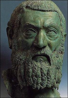 Où est né l'empereur Macrin, en 165 ap. J.-C. ?