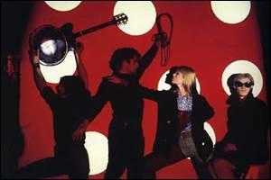 Est-il vrai que Lou Reed fut membre du groupe de rock « The Velvet Underground » ?