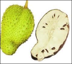 Celui-ci ressemble au précédent, c'est un corossol. Est-ce un fruit ou un légume ?