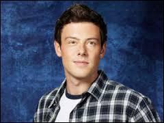 Dans la saison 4, qui Finn embrasse-t-il ?