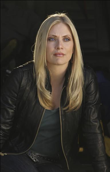 Comment s'appelle cette actrice dans la série ?
