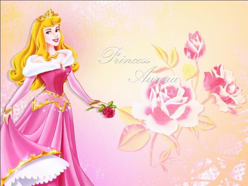 À quel âge la malédiction doit-elle se déclencher sur la princesse Aurore ?