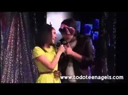 Quelle chanson ce dernier chantera-t-il pour elle au karaoké ?
