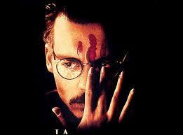 Dans quel film Johnny Depp est-il à la recherche d'un manuel d'invocation satanique ?