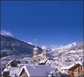 Géographie - Avec 1326 mètres d'altitude, quelle est la ville la plus haute de France ?