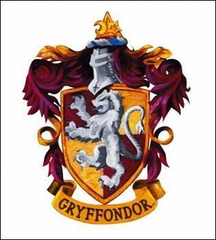 Avec quel type de pierres précieuses est sertie la lame de Gryffondor ?