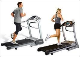 Il faut de l'entraînement pour maintenir la forme. Quel est le nom de cet engin de fitness ?