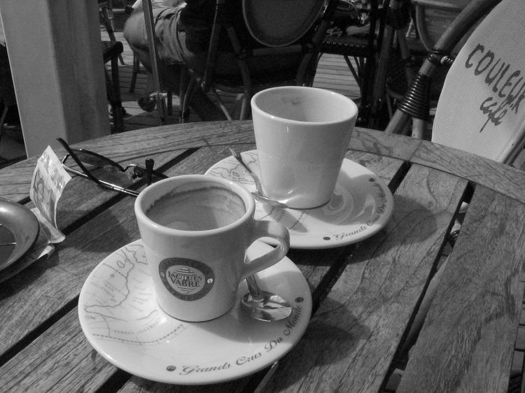 Chansons nostalgie autour d'un café