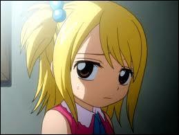 Commençons par Lucy ! Elle n'a peut-être pas eu l'enfance la plus difficile parmi les mages. Cependant, un membre de sa famille est décédé lorsqu'elle était jeune ! Qui était-ce ?