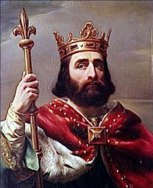 Le sacre d'un roi est une cérémonie qui montre l'alliance de la religion chrétienne avec le roi. Quel a été le premier roi à être sacré ?