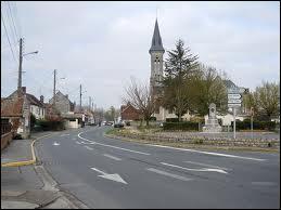 Nous traversons la commune Isarienne de Montmacq. Nous sommes en région ...
