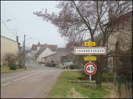 Nous entrons dans le village lunévillois de Courbesseaux. Nous sommes en région et dans le département ...