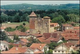 Je vous emmène à Riscle, commune Gersoise située en région ...