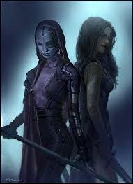 Grâce à quoi Peter sauve-t-il Gamora après avoir été attaquée par sa sœur ?