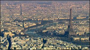 Au XIIIe siècle, Paris est la ville la plus importante d'Occident ?