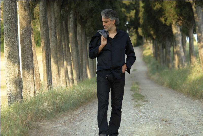 """1995. """"Avec toi je partirai vers des pays que je n'ai jamais vus..."""". Quel est le titre de cette chanson d'Andrea Bocelli ? (clip)"""