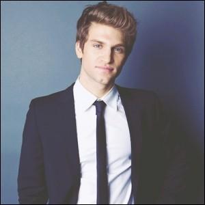 Comment s'appelle l'acteur qui interprète Toby ?