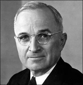 C'est en 1947 que le président Truman propose d'enrayer les progrès du communisme en aidant à la reconstruction de l'Europe. Quelle nationalité n'était pas la sienne ?