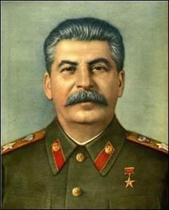En quelle année Staline décède-t-il ?