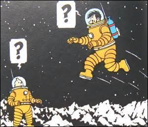 Lequel de ces hommes se sacrifie pour ses compagnons en sautant dans l'espace ?