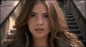 Qui est l'actrice qui joue le rôle de Malia ?