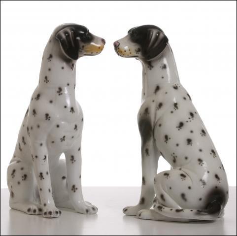 """Que signifie l'expression """"se regarder en chien de faïence"""" ?"""