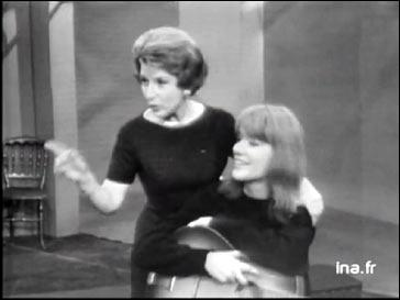 En 1960, par quel petit conservatoire, certains chanteurs débutants passaient-ils ?