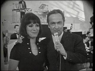Quelle émission était présentée par Guy Lux et Anne-Marie Peysson ?