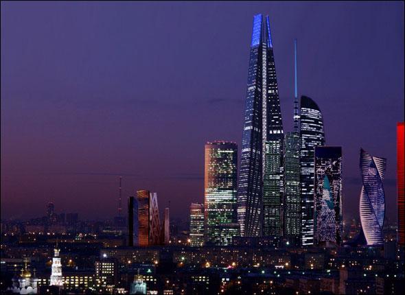Ce gratte-ciel est en cours de construction.  A sa livraison en 2012, cet immeuble deviendra le plus haut d'Europe avec ses 118 étages et ses 101... ascenseurs! Où se situe t-il ?
