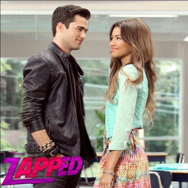 Zendaya Kissing Spencer Boldman Quizz Zapped, Une Appl...