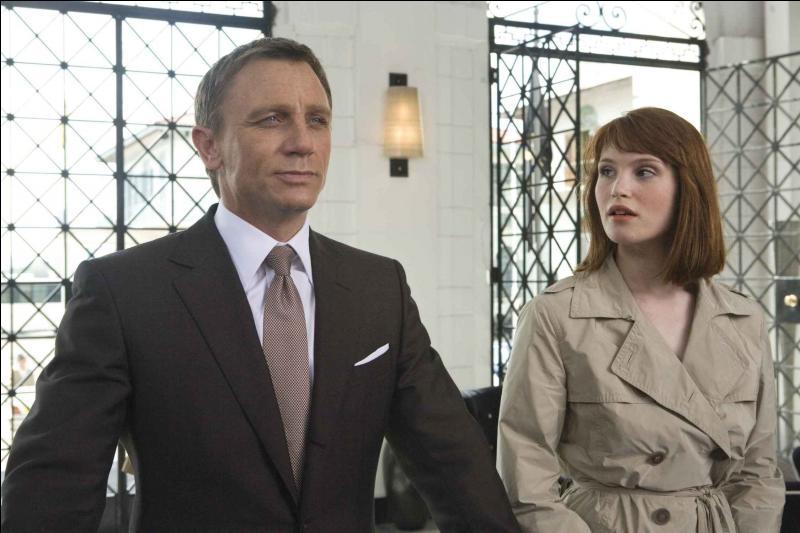 """Deux ans avant Tamara Drewe, Gemma apparaît dans """"Quantum of Solace"""", le 22e James Bond. Quel personnage incarnait-elle ?"""