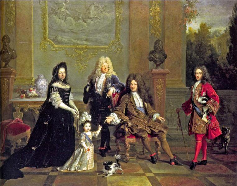 En 1715, quel lien de parenté unit Louis XIV à son successeur, Louis XV ?