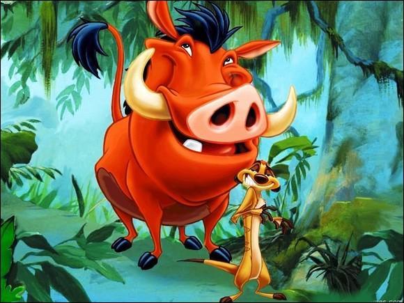 Quels sont les prénoms du phacochère et du suricate rencontrés par Simba ?