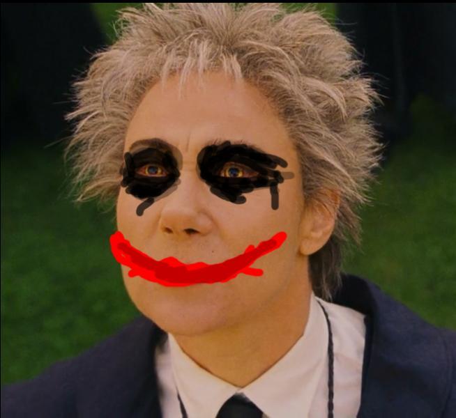 Et puis, un autre ennemi du Batman, bien plus charismatique : le Joker. Trois personnages, trois images détournées ; à vous d'y mettre un nom.