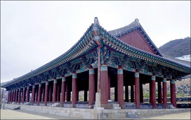 Les monuments d'Extrême-Orient