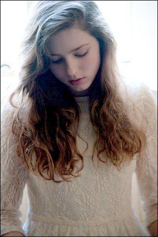 Avec une voix incroyable, très jeune elle devient vite connue ! Donne-moi son nom :