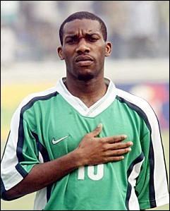Quelle est la nationalité d'Augustine Okocha ?