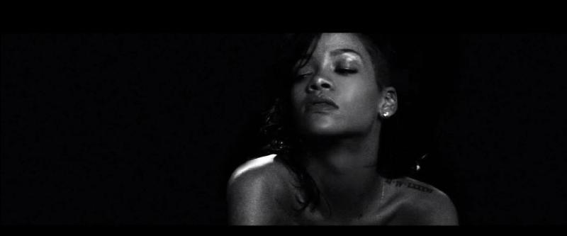 Comment se nomme ce clip de cette magnifique femme ?