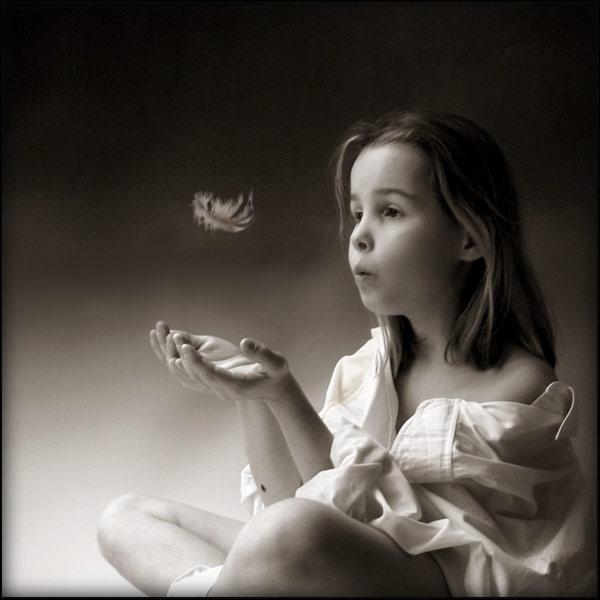 """2012. """"Envole-moi"""", chanson de Jean-Jacques Goldman, interprétée par M. Pokora et..."""